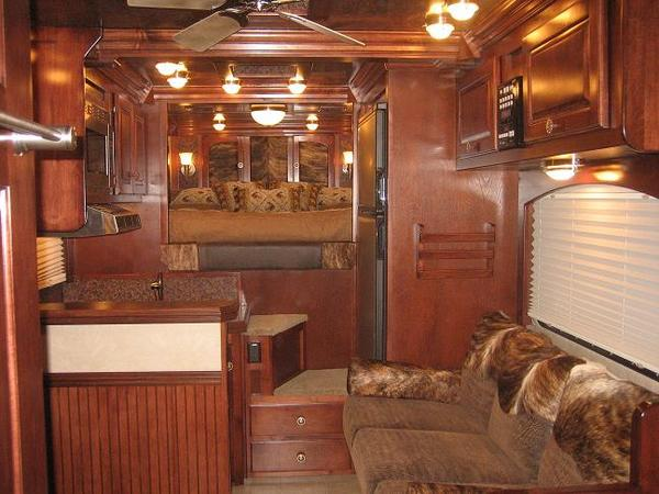 Trail Rider Royal Custom 14 Living Quarters Horse Trailers